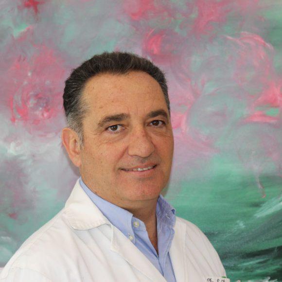 Dr. Santiago Camacho